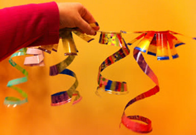 Chihuly-inspired craft for kids by Laugh, Paint, Create!