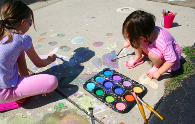 Homemade sidewalk paint by Pink and Green Mama