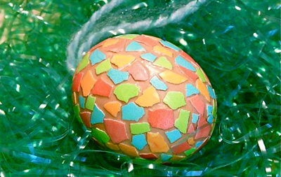 Homemade mosaic Easter eggs by Gingerbread Snowflakes