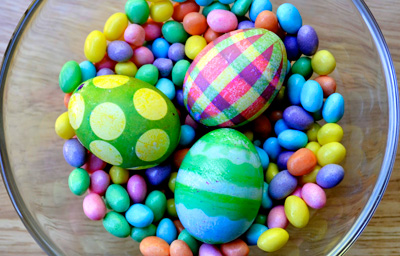 Polka dot and striped dyed Easter eggs by And Puppy Makes Three