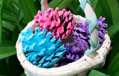 Easter DIY Pinecones by Pink and Green Mama