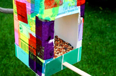 Homemade bird feeder by Rhythm of the Home