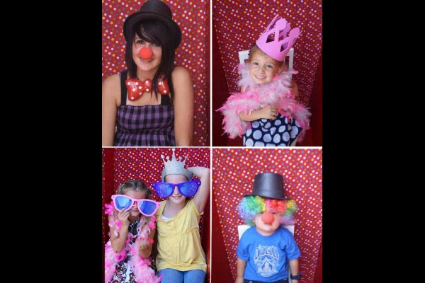 Indoor Party Games for Kids DIY Photo Booth