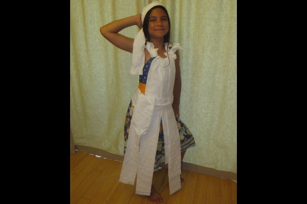 Indoor Party Games for Kids Toilet Paper Fashion Show