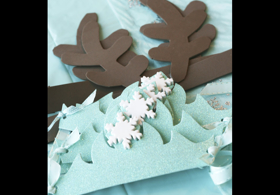 disneys frozen birthday party ideas sven elsa antlers party decor activities