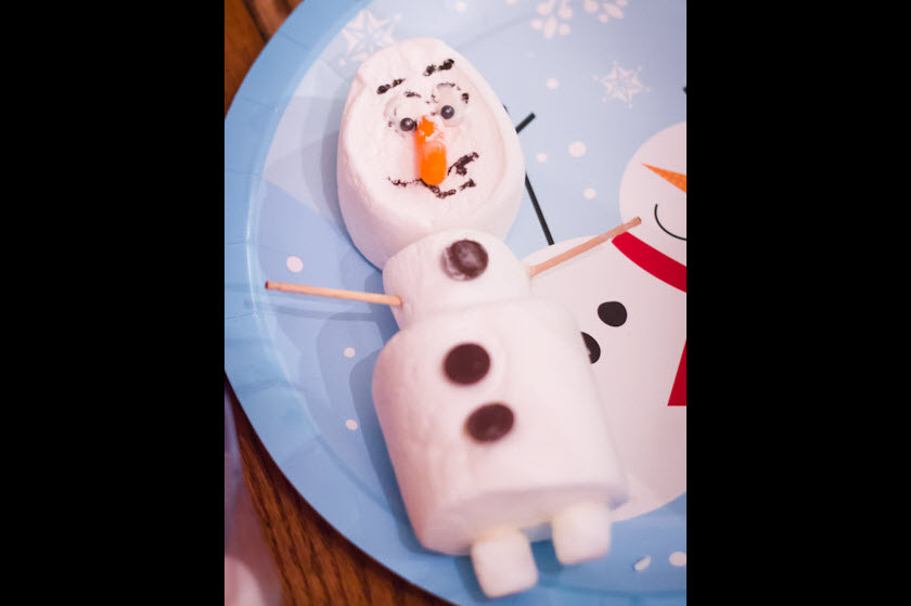 Disneys Frozen birthday party ideas build a snowman marshmallow activity
