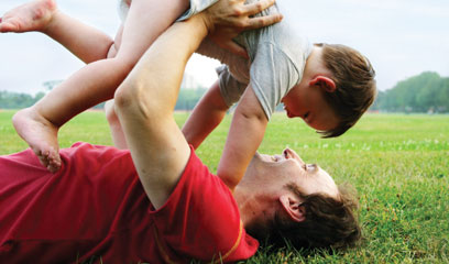 Dad's role in child play key to later development