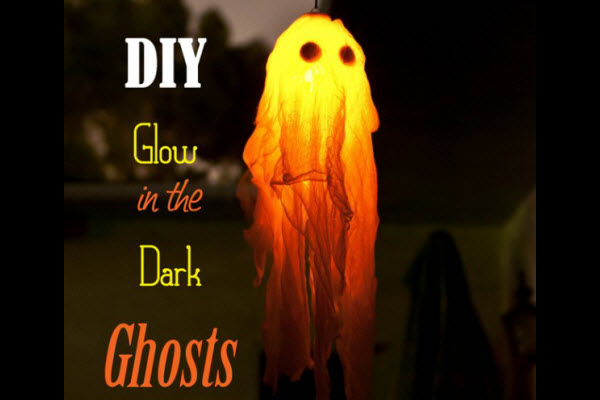 halloween crafts and decor ideas diy glowing ghosts - Glow Stick Halloween Decorations