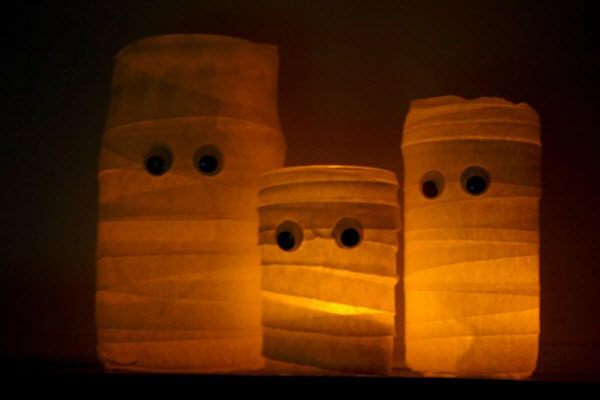 Halloween Decorations and Crafts DIY Mummy Jar Lamps