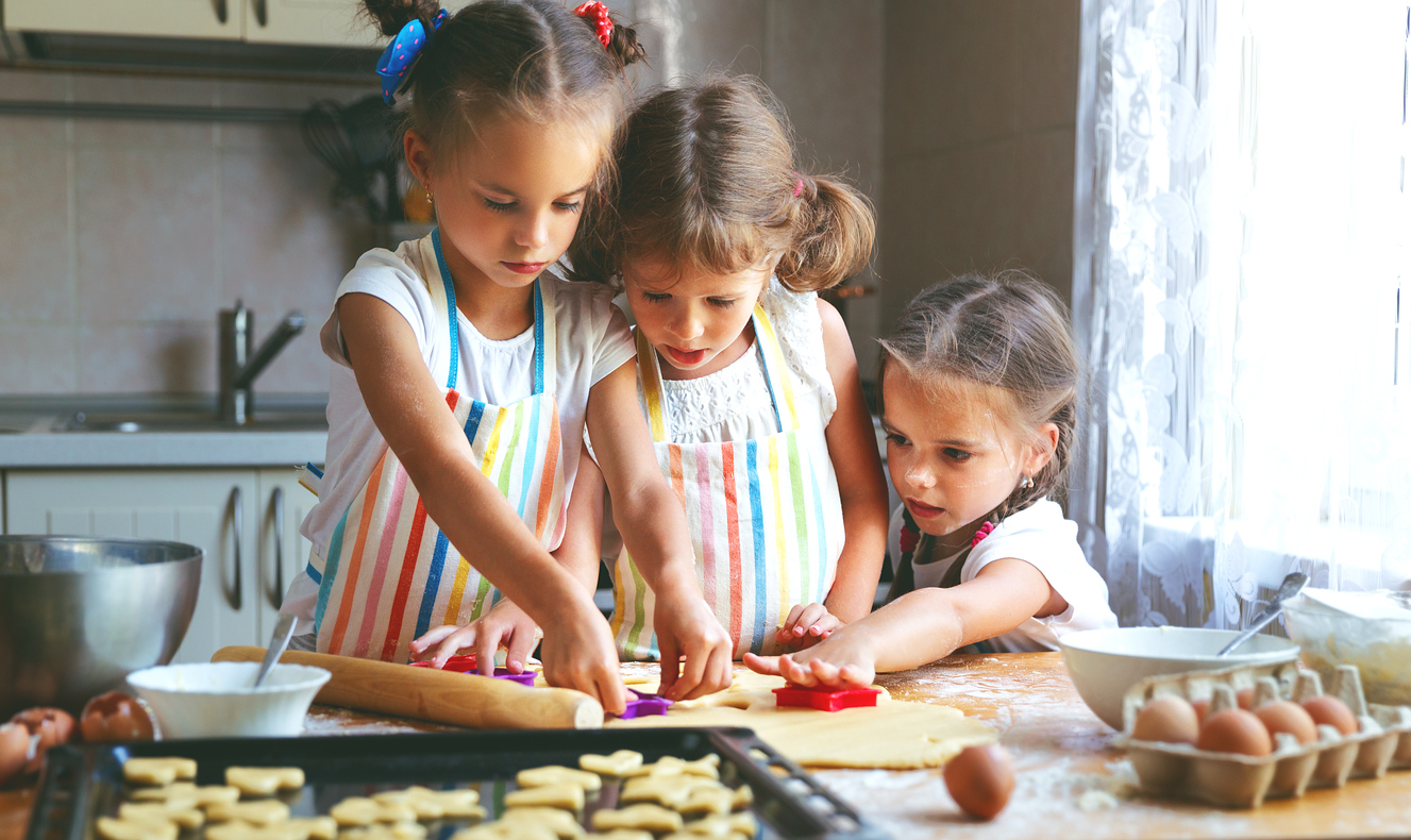 7 Christmas Cookies Kids Can Make With A Little Help