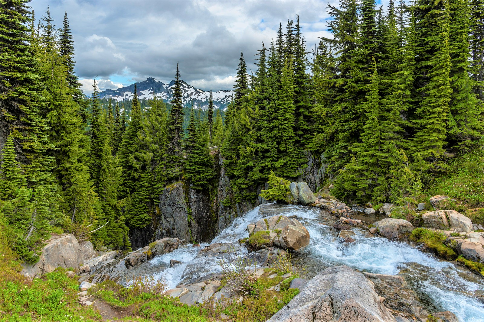 9 Kid-Friendly Waterfall Hikes for Seattle-Area Families ...