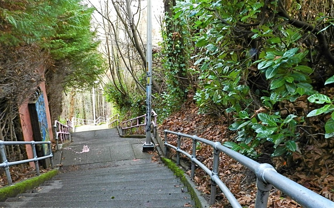 Best-city-stairway-walks-urban-hikes-kids-families-Capitol-Hill-Seattle-Blaine-Howe-street