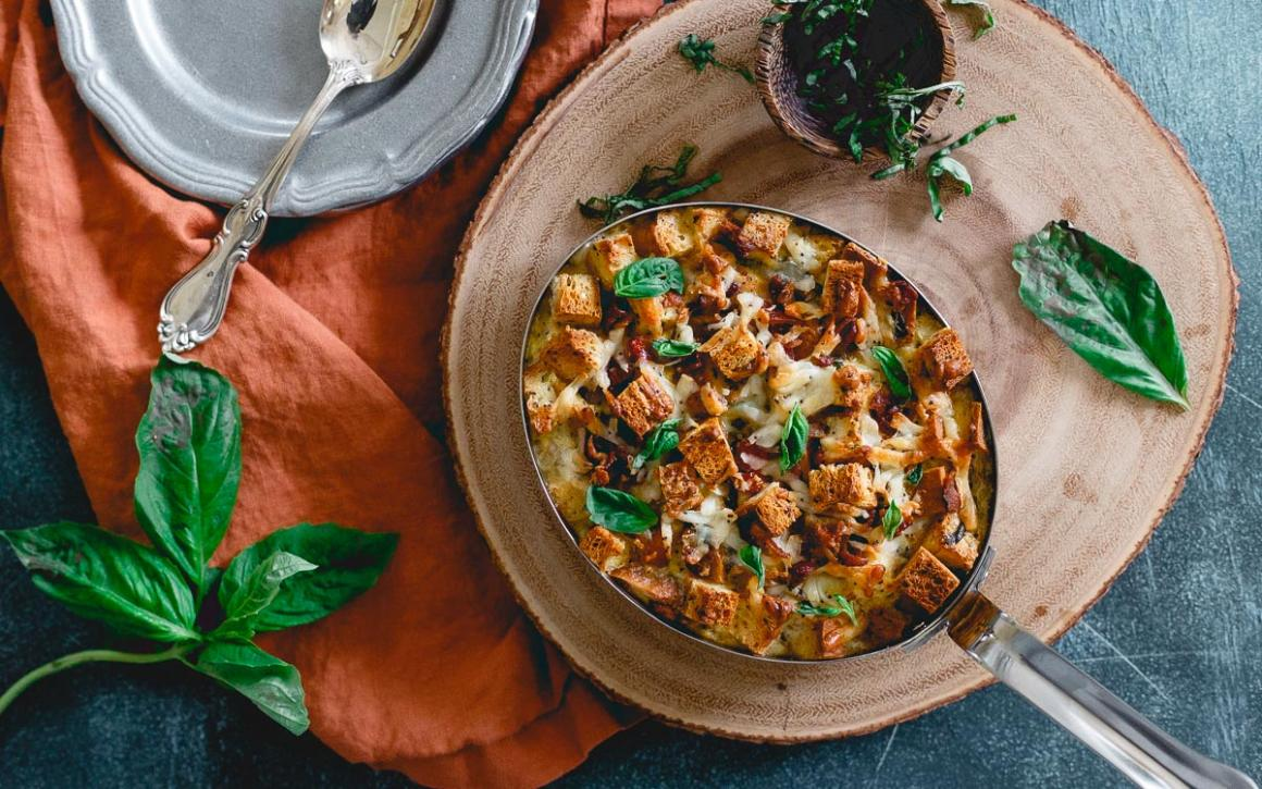 Everything Bagel Breakfast Strata