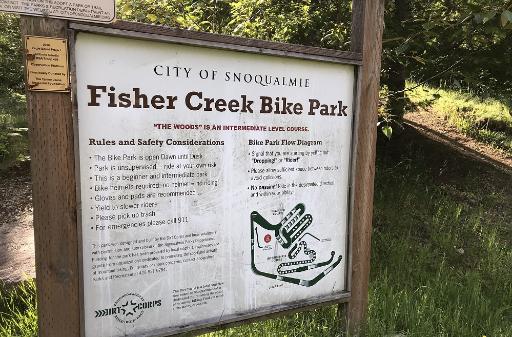 Fisher-Creek-Park-bike-park-rules-sign-helmets-required