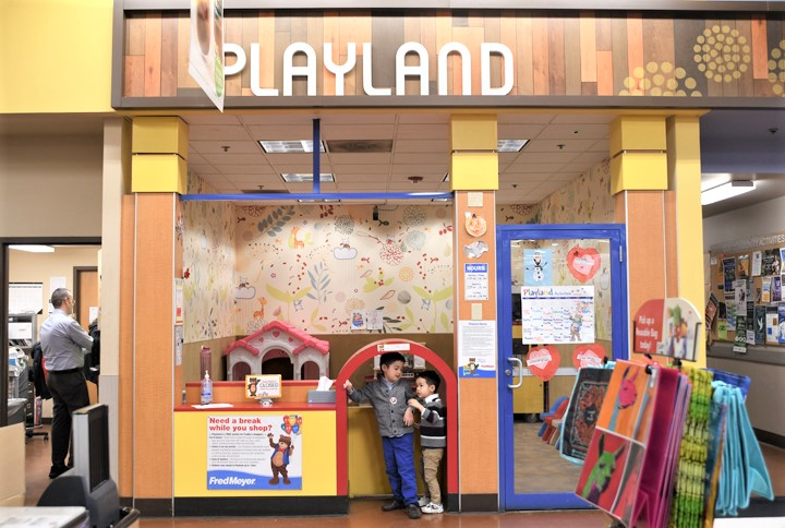 Free-childcare-grocery-store-Seattle-Eastside-Lynnwood-Fred-Meyer-playland