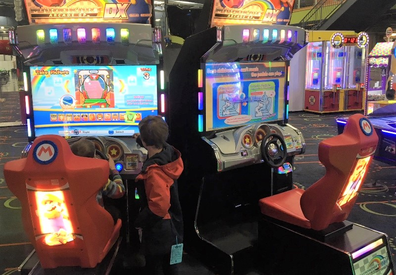 Kids playing video games at Arena Sports Mill Creek