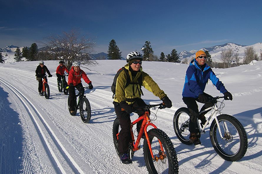 family fat biking together