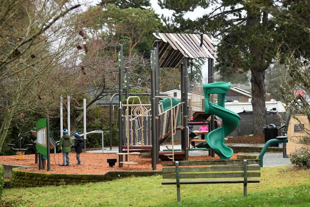 Puget-Ridge-new-seattle-playground-kids-playing-neighborhood-families-west-seattle
