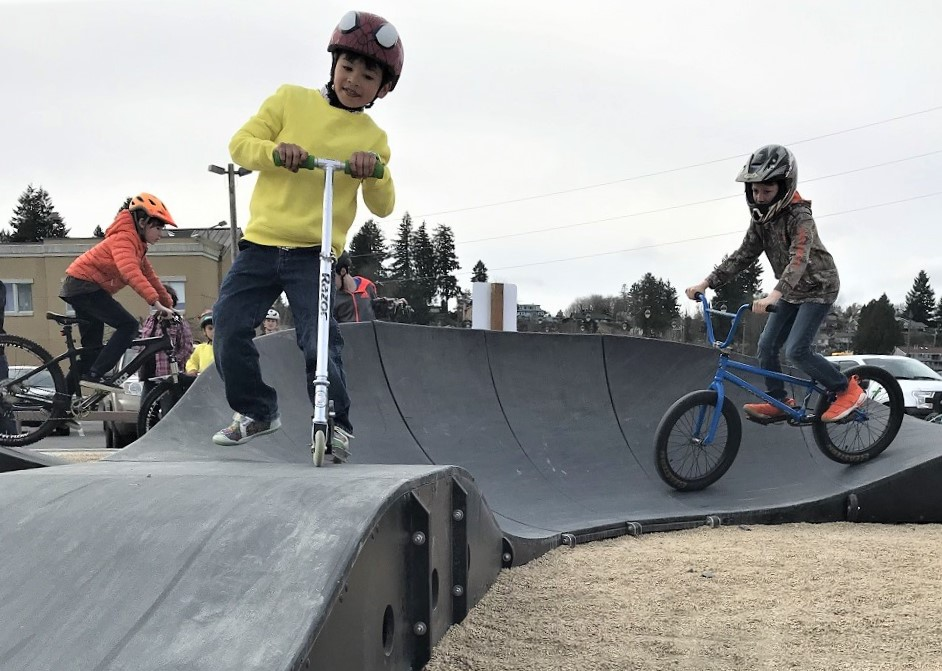 New-pump-track-scooter-rider-Henry-Beagle
