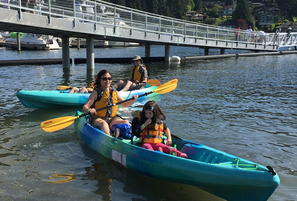 REI-boathouse-kayaks-canoes-rentals-with-kids-Meydenbauer-Bay-Park