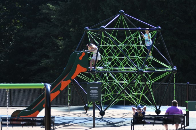 Seaview-Park-rope-dome-star-climber-inclusive-accessible-kids