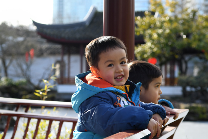 Vancouver-BC-Chinatown-Dr-Sun-Yat-Sen-Garden-with-kids