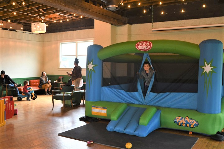 We-Free-Hearts-indoor-play-space-for-tots-Seattle