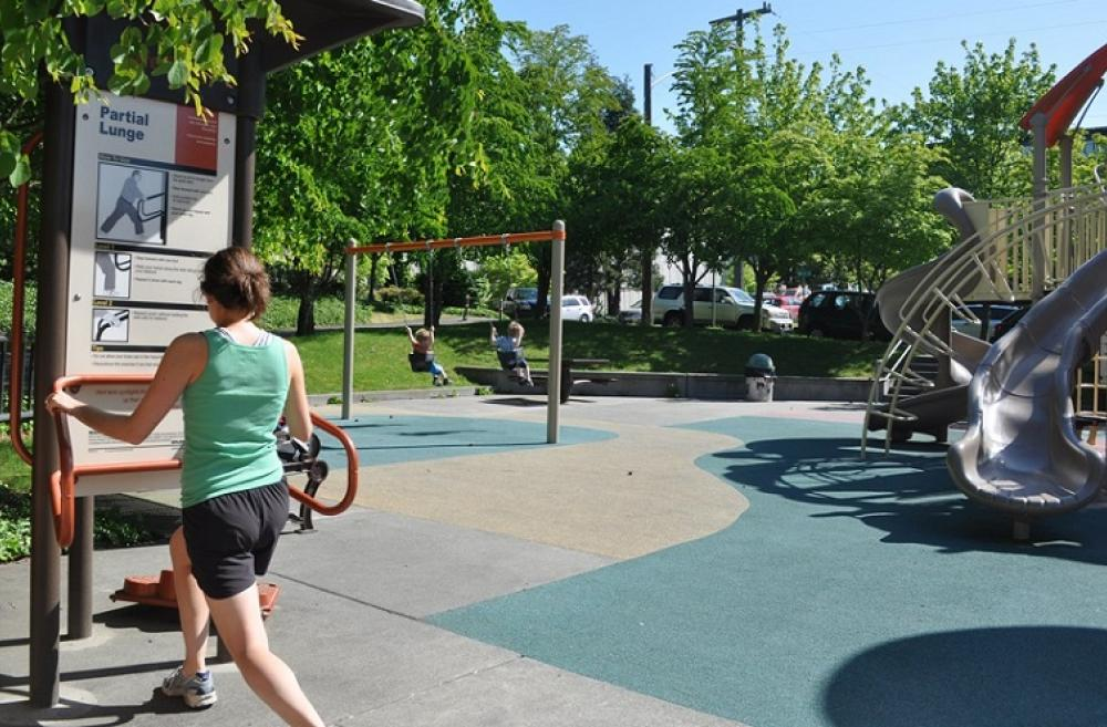 Best-parks-playgrounds-for-grown-ups-workout-fitness-exercise-equipment