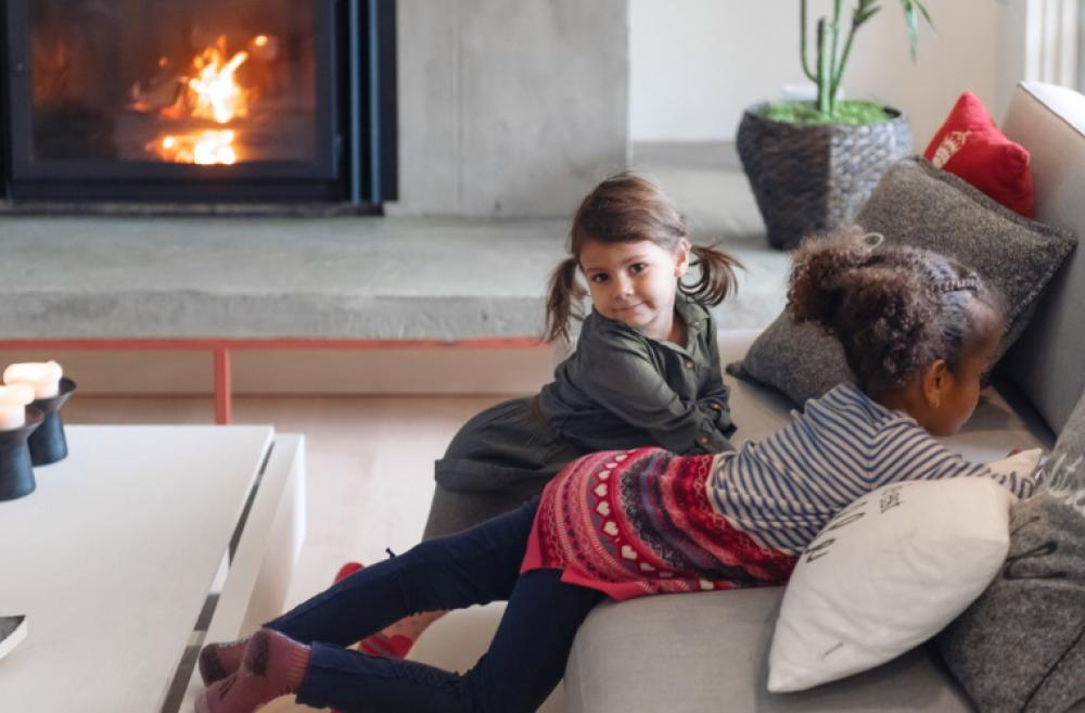 kids-playing-in-warm-cozy-living-space