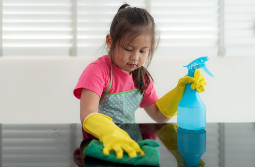 Kid-cleaning