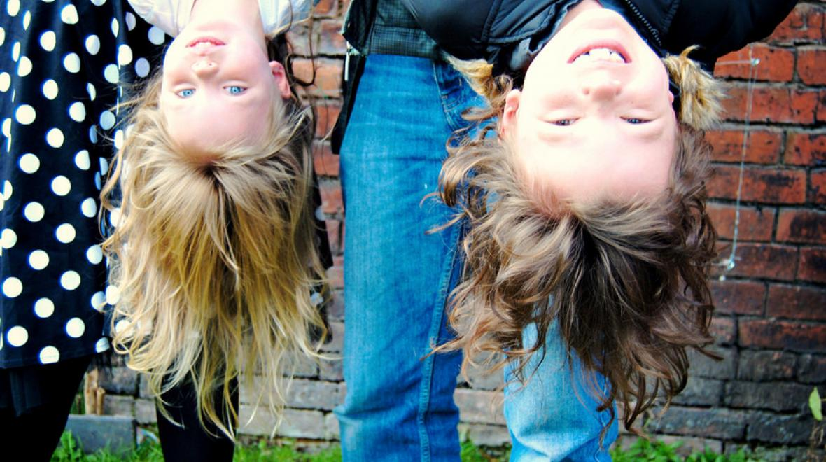kids-hanging-upside-down