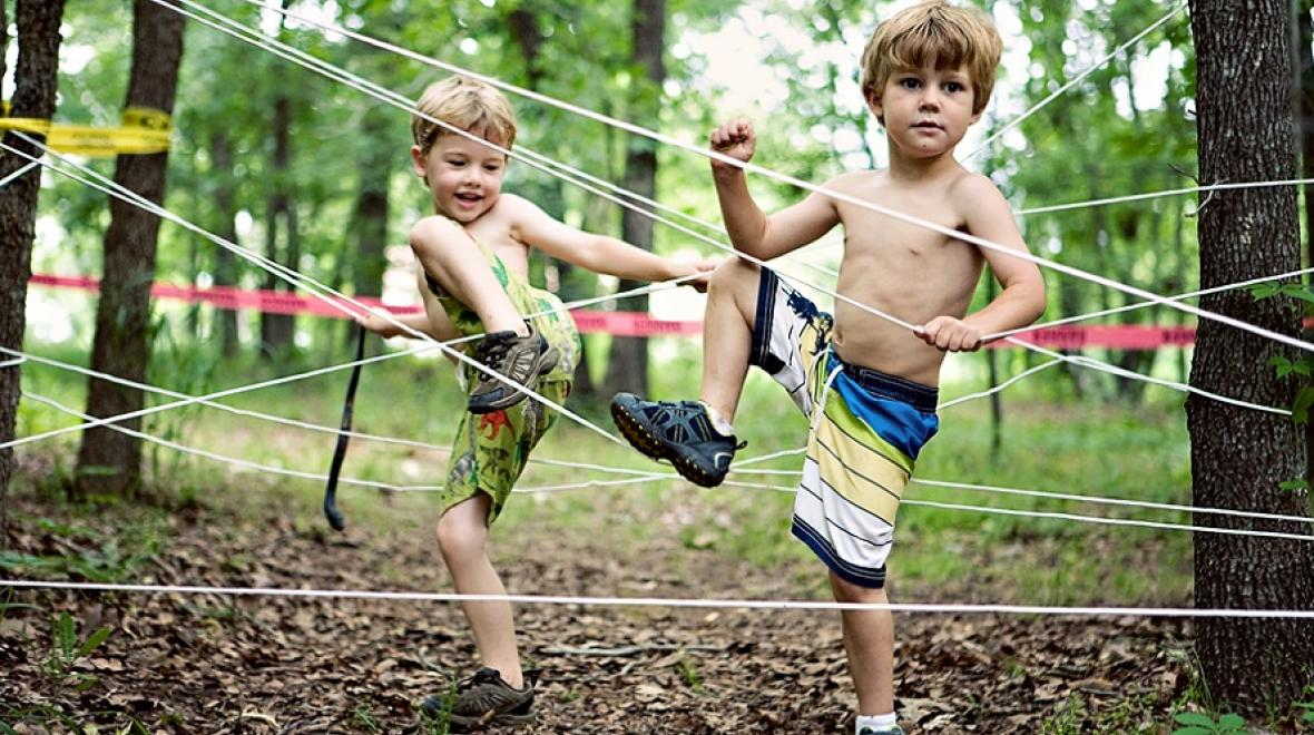 Kids in an obstacle course