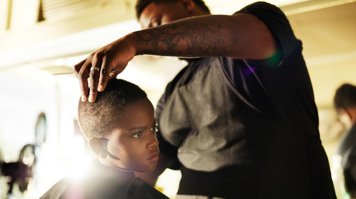 poc salon barber boy
