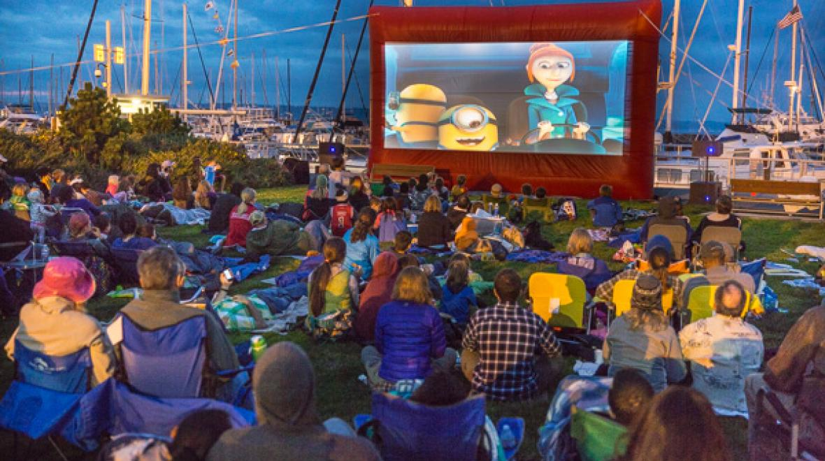 Outdoor summer movies Seattle Shilshole Movies at the Marina