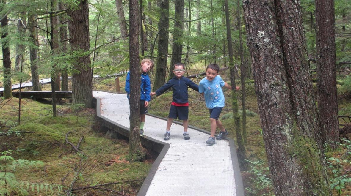 Shadow Lake Nature Preserve Renton hike for kids