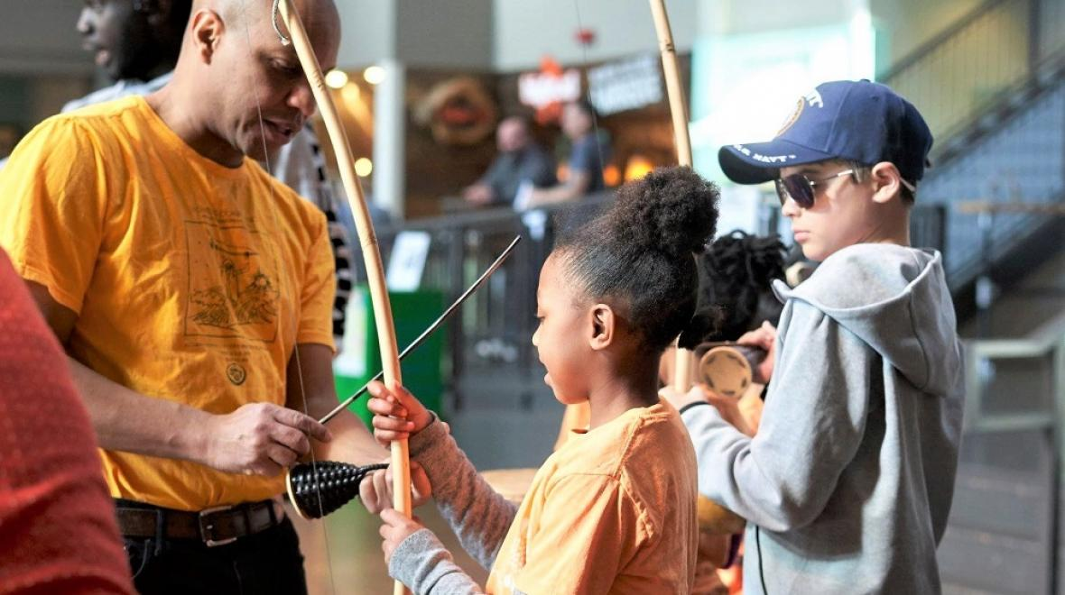 Movin-Around-the-World-Northwest-Folklife-fun-for-kids-Seattle-Center