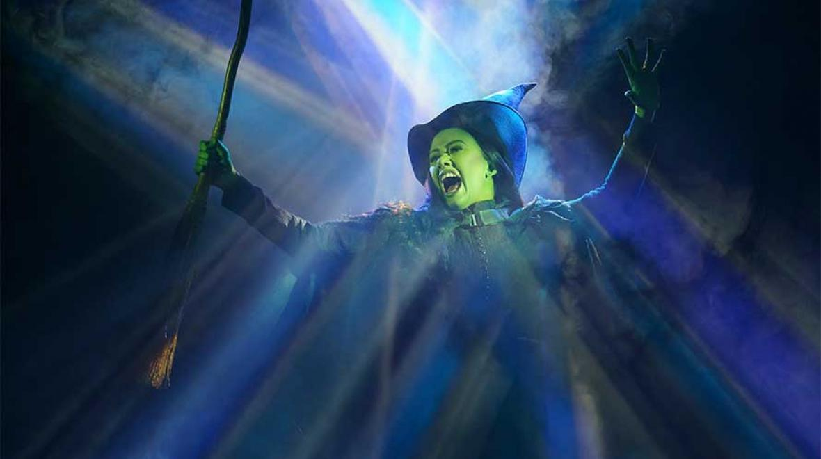 family-friendly-Wicked-Seattle-Paramount-Theatre