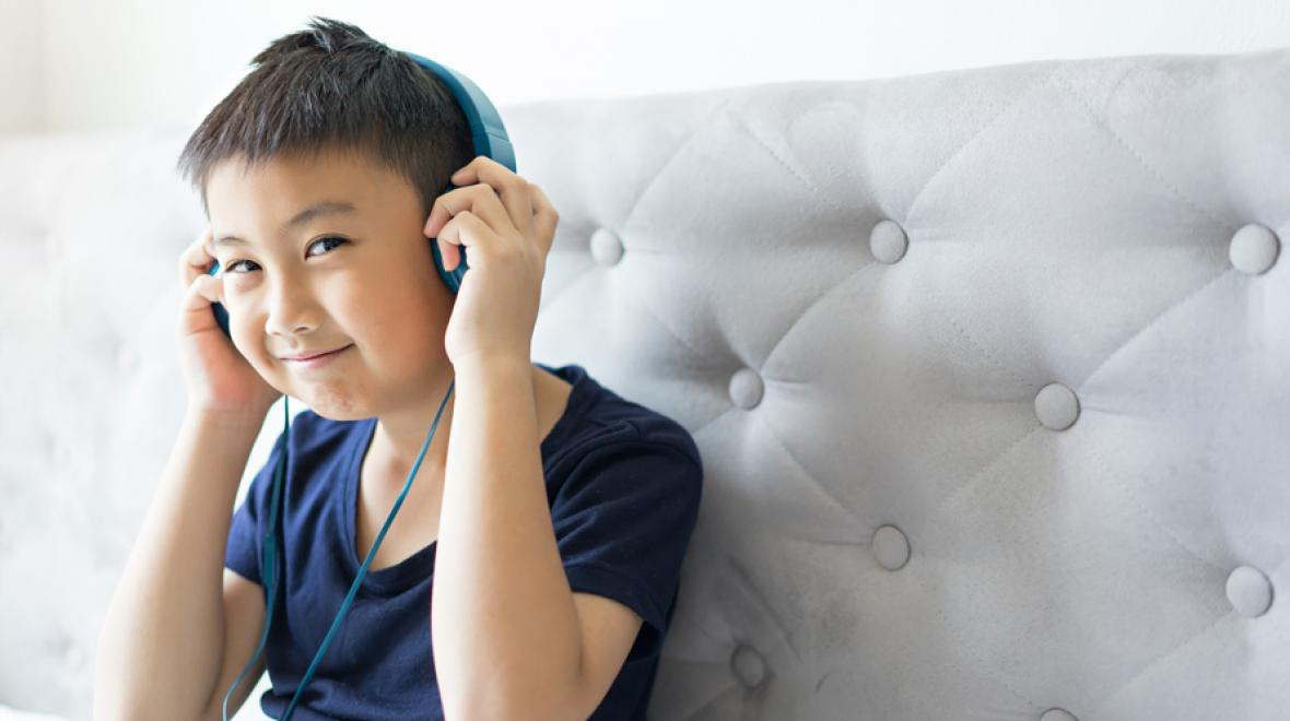 20 Best Podcasts for Families on the Road | ParentMap
