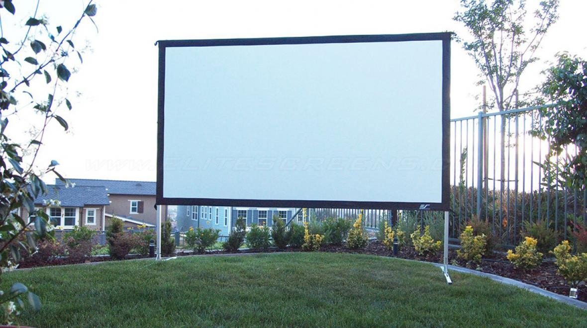 Diy Or Buy 7 Screen Ideas For An Awesome Outdoor Movie