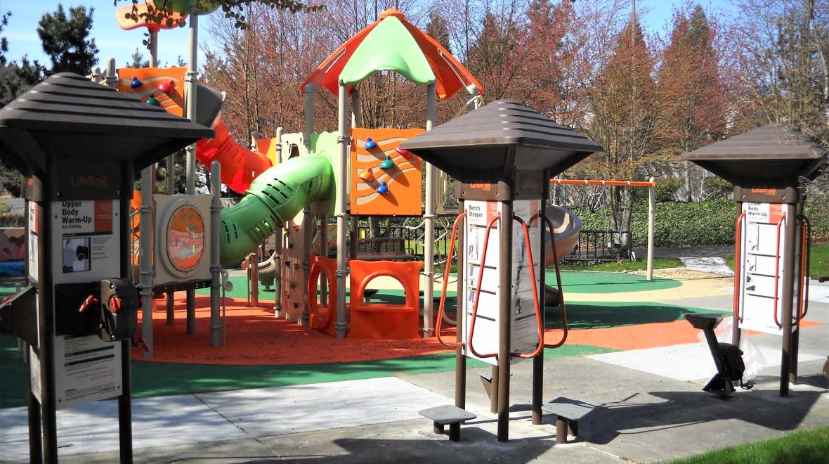 Atlantic-Street-Park-adult-fitness-equipment-best-parks-mom-workouts