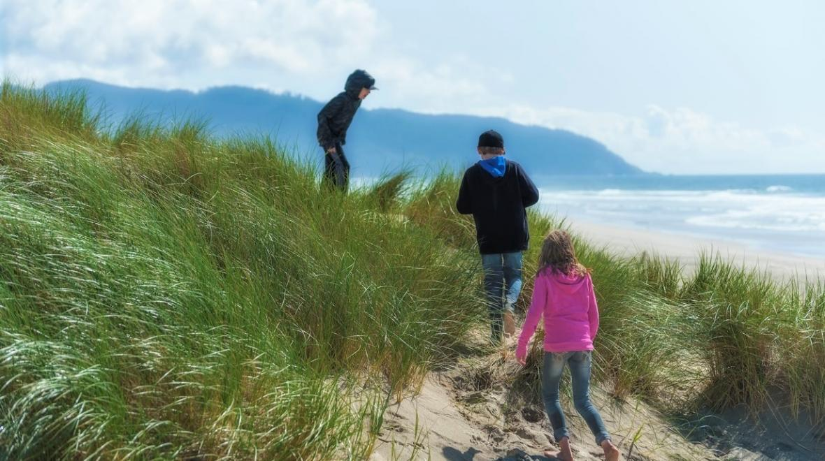 Best-Oregon-Coast-spots-with-kids-beach-Pacific-City-Tillamook