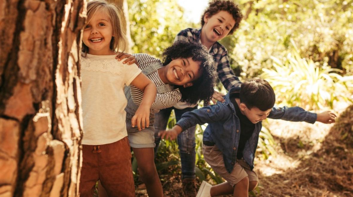 Hide Seek Kids: 5 Old-Fashioned Party Games That Your Kids Will Love