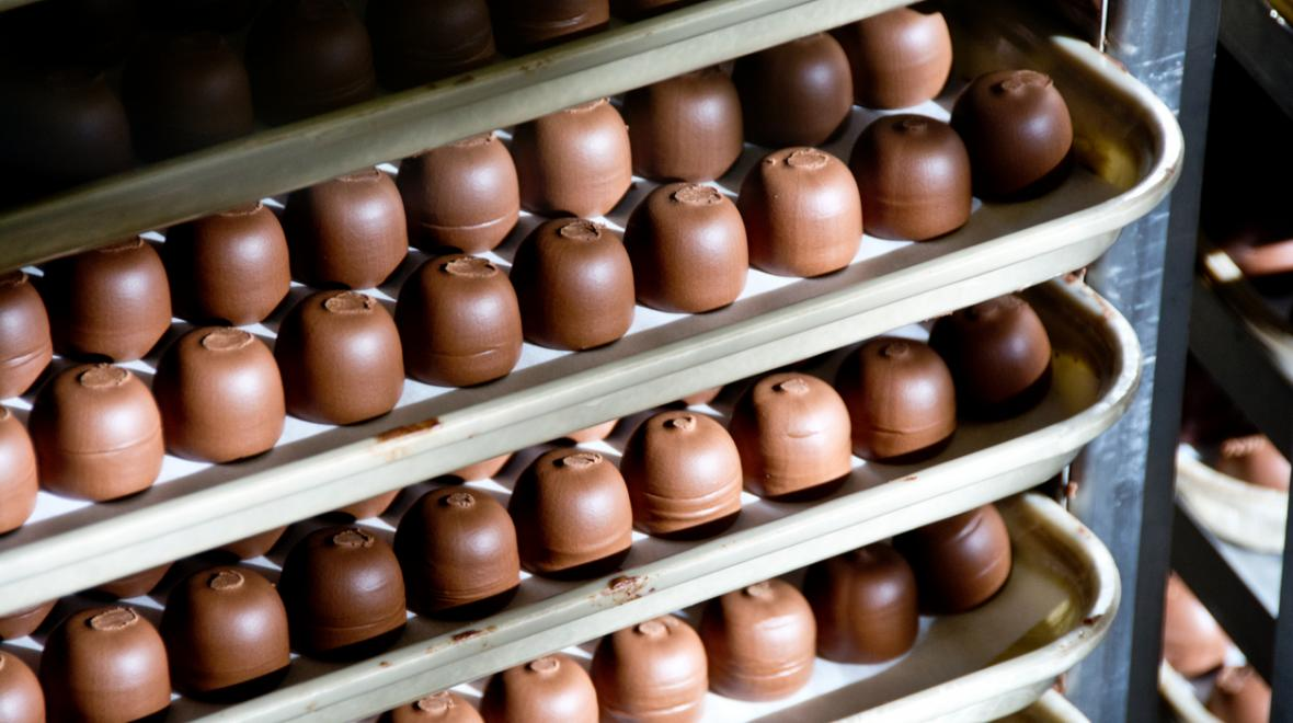 chocolate-factory-tours-food-destinations-kids-families-seattle-area