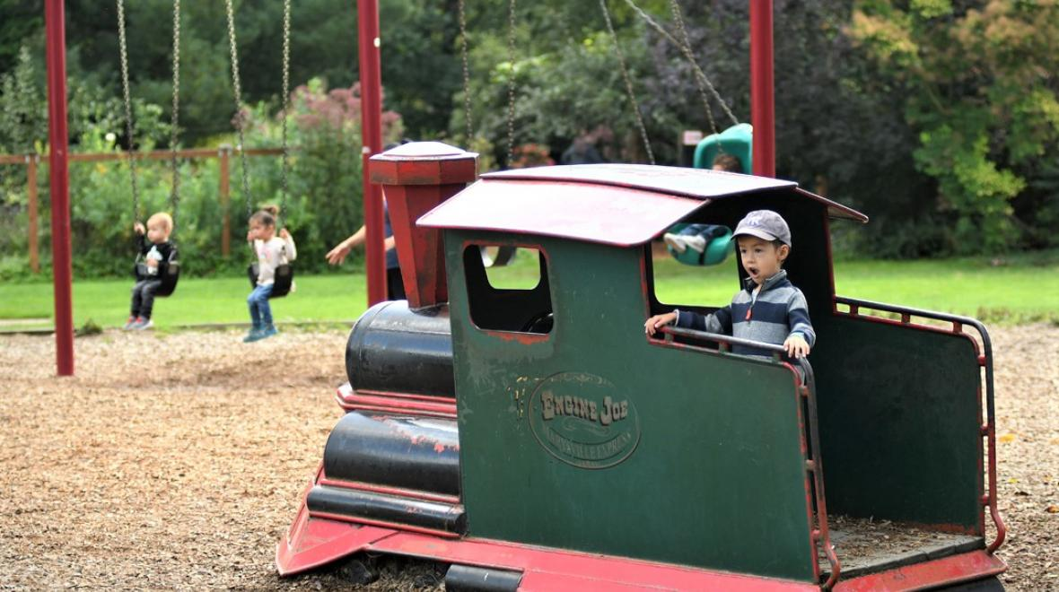 Jennings-Memorial-Park-play-train-fun-Marysville-playground-destination