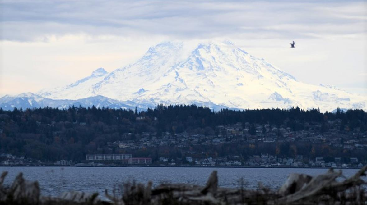 View-Rainier-from-Vashon-best-day-trips-families-kids-seattle-tacoma