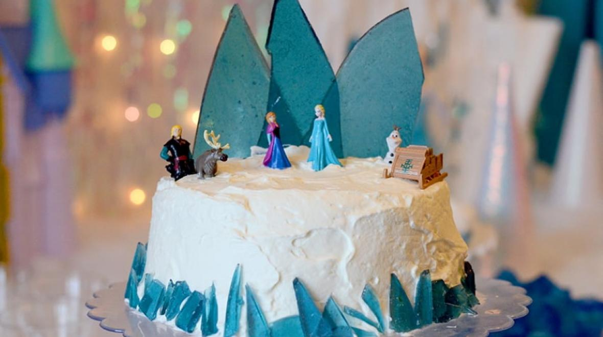 Frozen-themed-cake