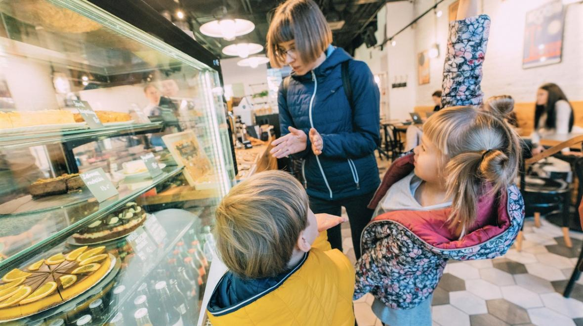 Mom-kids-best-kid-friendly-coffee-shops-Seattle-Bellevue-Eastside-South-Sound
