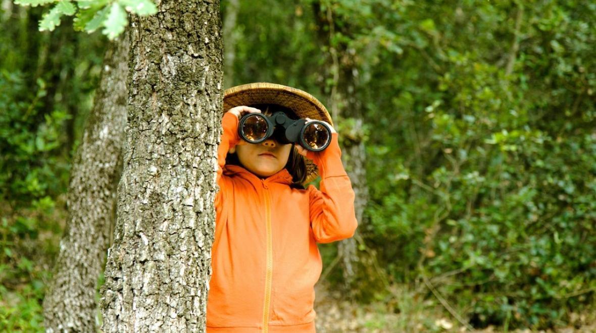 Girl-with-binoculars-birding-backyard-birding-guide-seattle-kids-families-northwest