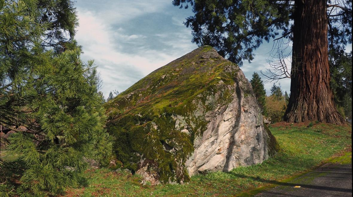 Big Rock Duvall glacial erratics around Seattle Puget Sound credit John Gateley Flickr CC