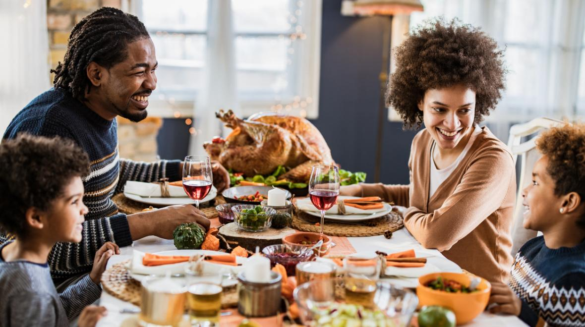 Thanksgiving-dinner-restaurants-families-dine-in-takeout-seattle-tacoma-bellevue-eastside